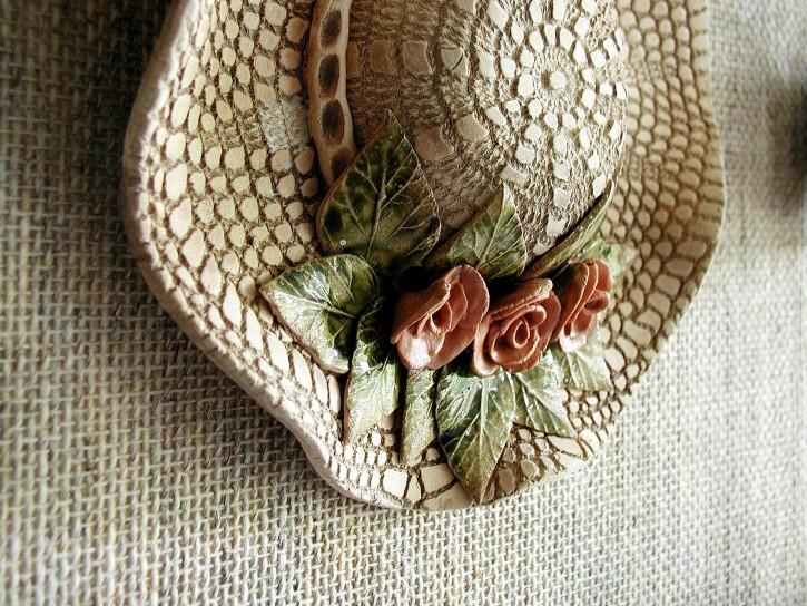 hat-women-female-hat_w725_h544